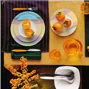 Servizio Piatti 6 Posti Tavola 6 fondi 6 piani 6 frutta Stripes And Pois realizzati in porcellana con decoro sotto smalto