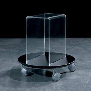 Portariviste Tavolino multifunzione 50x50xh52 4 ruote L'elemento circolare in legno laccato con finitura antigraffio GIRINO Nero