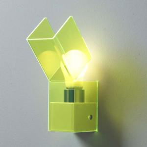 Applique da muro GEA 7.5x14.5xh24 cm supporto metallo paralume in metacrilato Verde Fluorescente