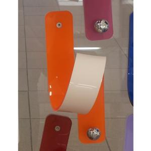 Appendino in Plexiglas 11 Puntodue 8x9x2h1,5cm con pomello in ottone cromato Arancio bicolore