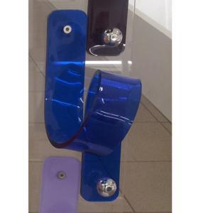 Appendino in Plexiglas 11 Puntodue 8x9x2h1,5cm con pomello in ottone cromato Blu trasparente