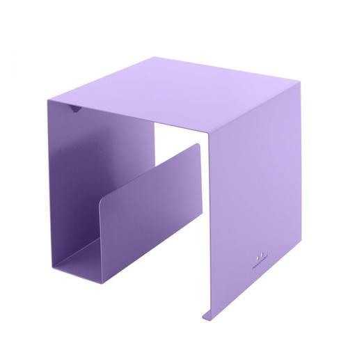 Tavolino portariviste design cubik in metallo verniciato 35x35x35 cm