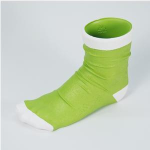 Vaso calzino utile anche come porta penne 10x21xh17 cm in resina decorata a mano colore verde