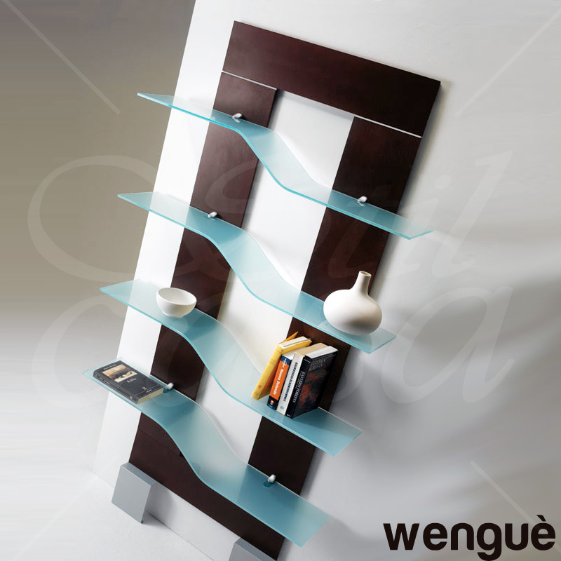 Libreria da parete con 4 mensole in vetro e supporti wave for Mensole design on line