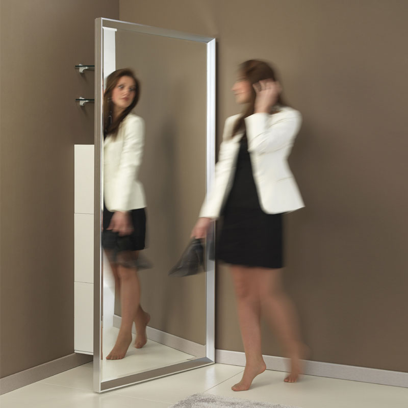 Specchiera Porta Abiti.Specchio Angolo Riflesso Pezzani Srl Stilcasa Net Specchi A Parete