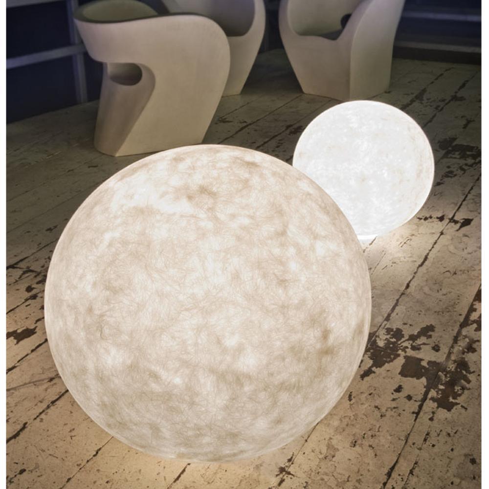 Portavasi Da Interno In Ceramica : Lampada da esterno ex moon 1 piccola in nebulite Ø 50 nebulite
