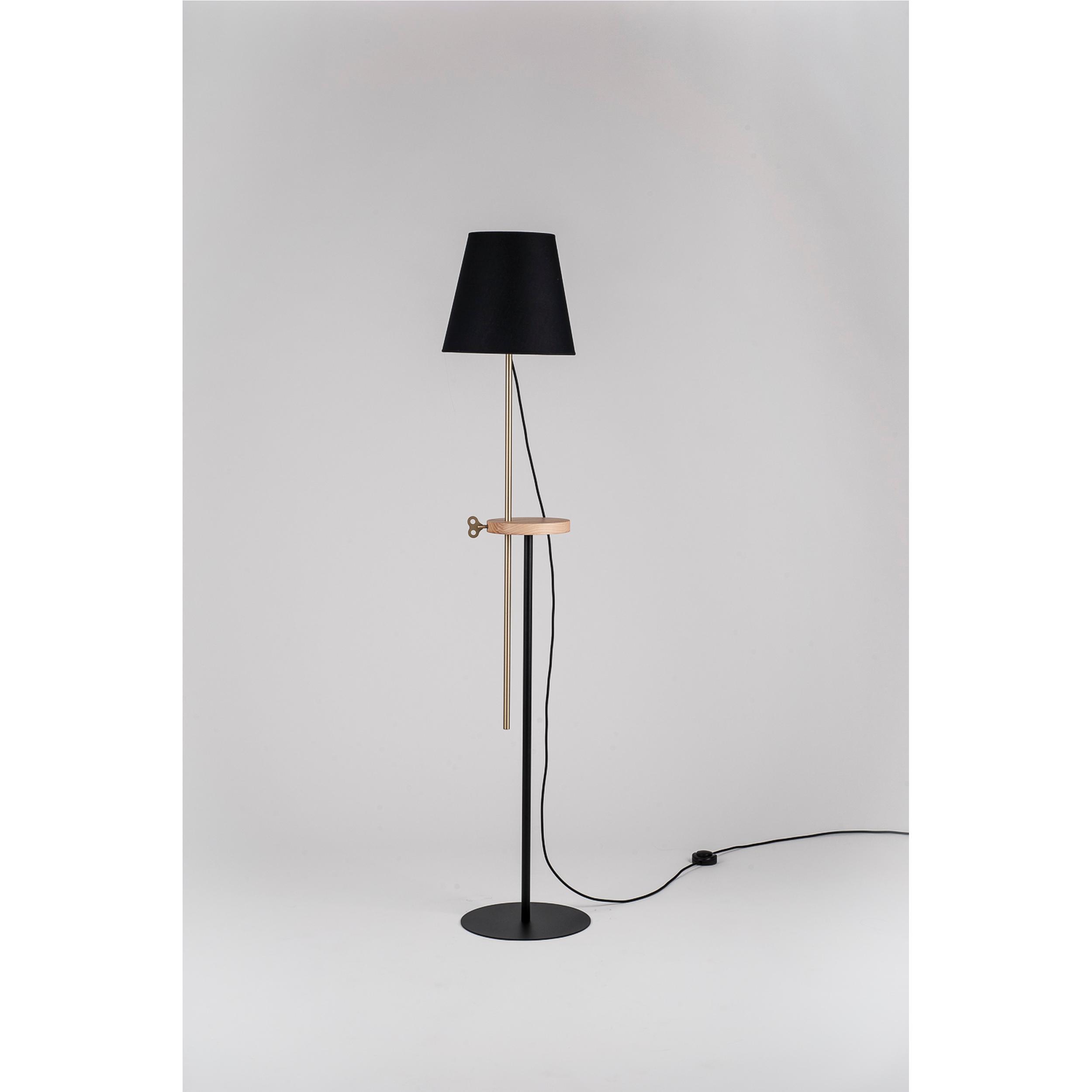 Lampada, piantana regolabile in altezza CAMILLA 30xh180 cm acciaio ,  frassino, ottone | FormAe