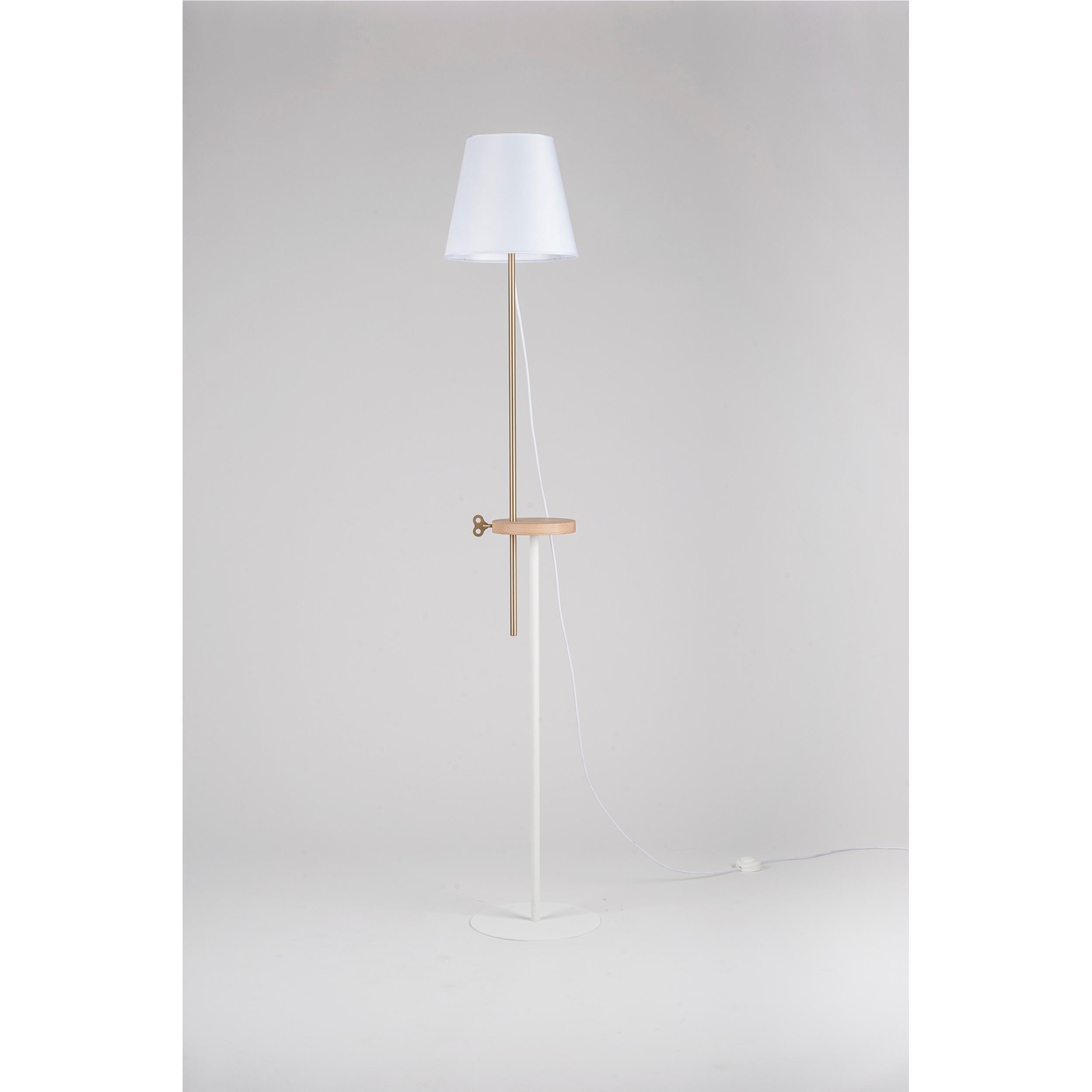 Lampada, piantana regolabile in altezza CAMILLA 30xh180 cm acciaio ,  frassino, ottone   FormAe